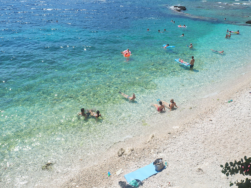 Η παραλία μας στη Βασιλική Λευκάδας