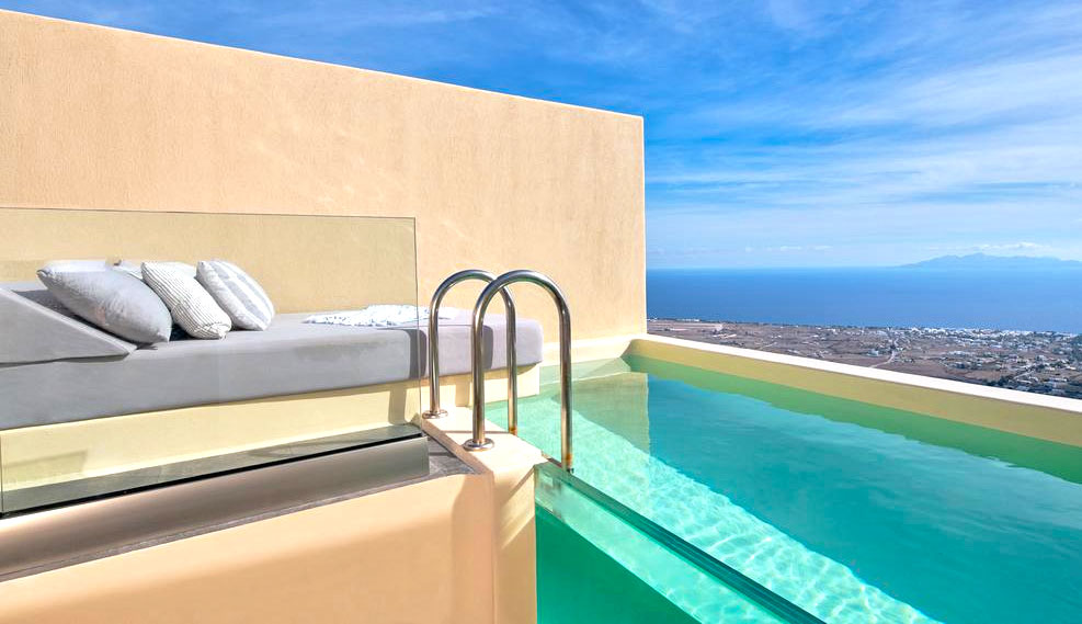 Santorini Luxury Hotels and Rooms