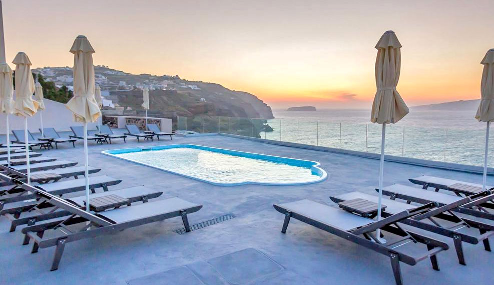 Santorini Luxury Hotels 4* and Rooms