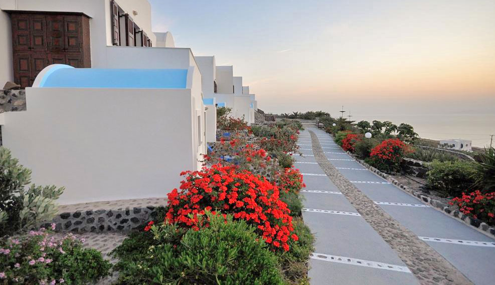 Santorini budget Hotels and cheap rooms